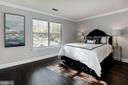 Well-appointed master bedroom - 3903 GOLF TEE CT #326, FAIRFAX
