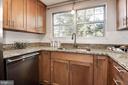 Huge window above the sink - 3903 GOLF TEE CT #326, FAIRFAX