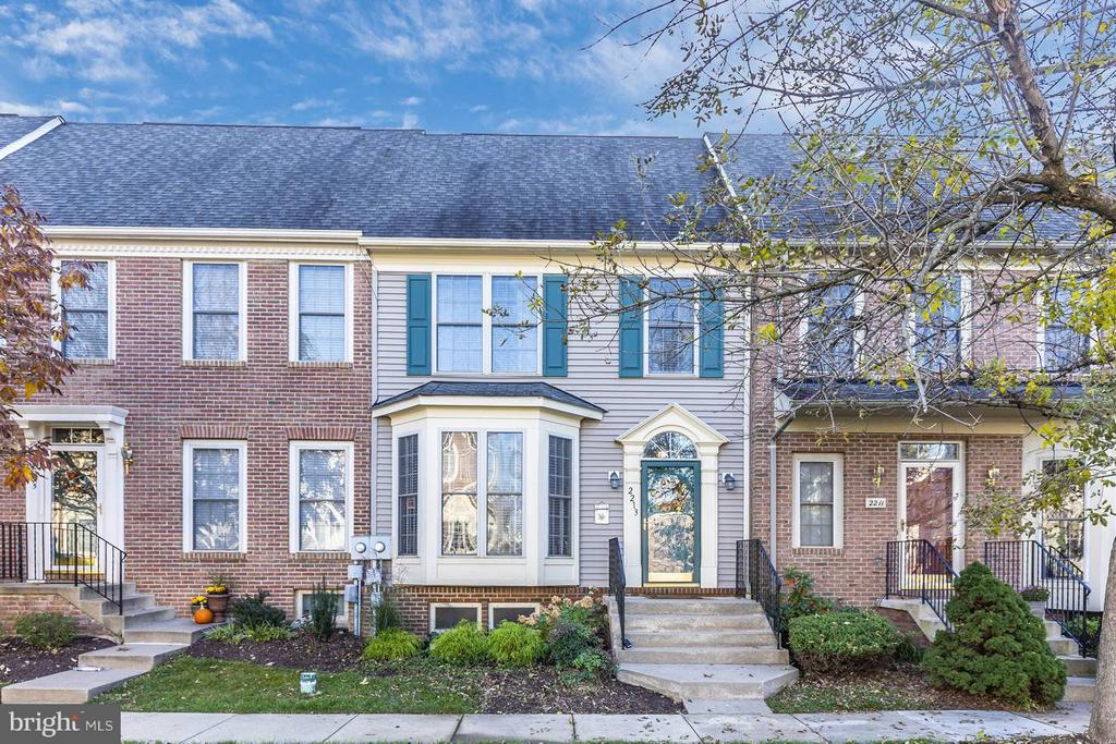 - 2213 LAMP POST LN, FREDERICK