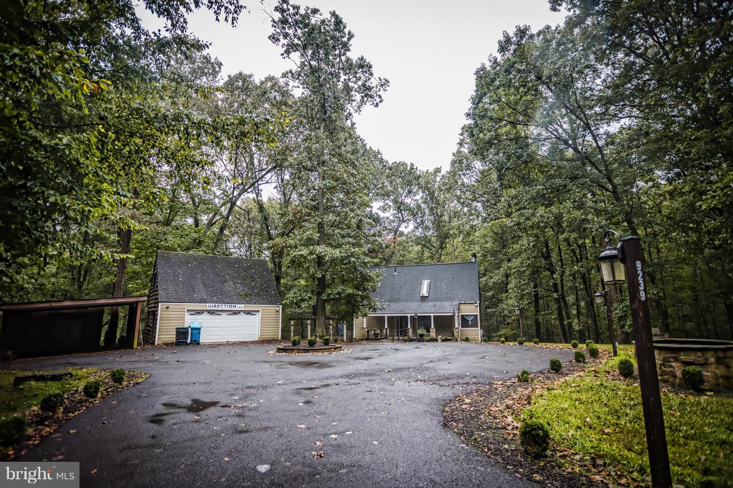 Photo of home for sale at 9239 Georgetown Pike, Great Falls VA