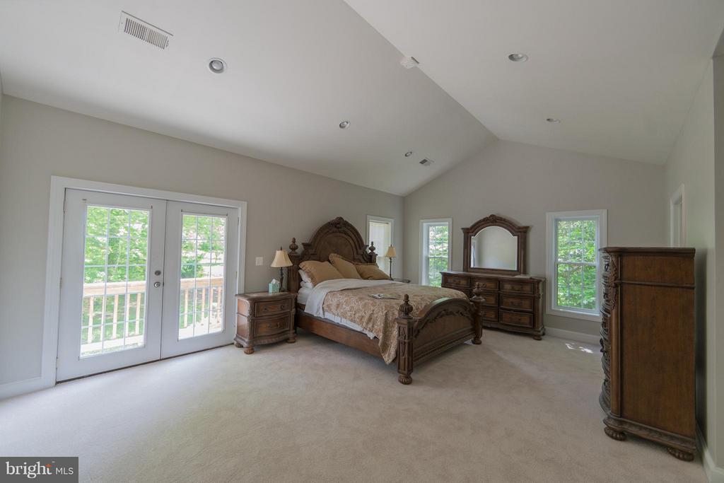 Bedroom (Master) - 3806 MODE ST, FAIRFAX