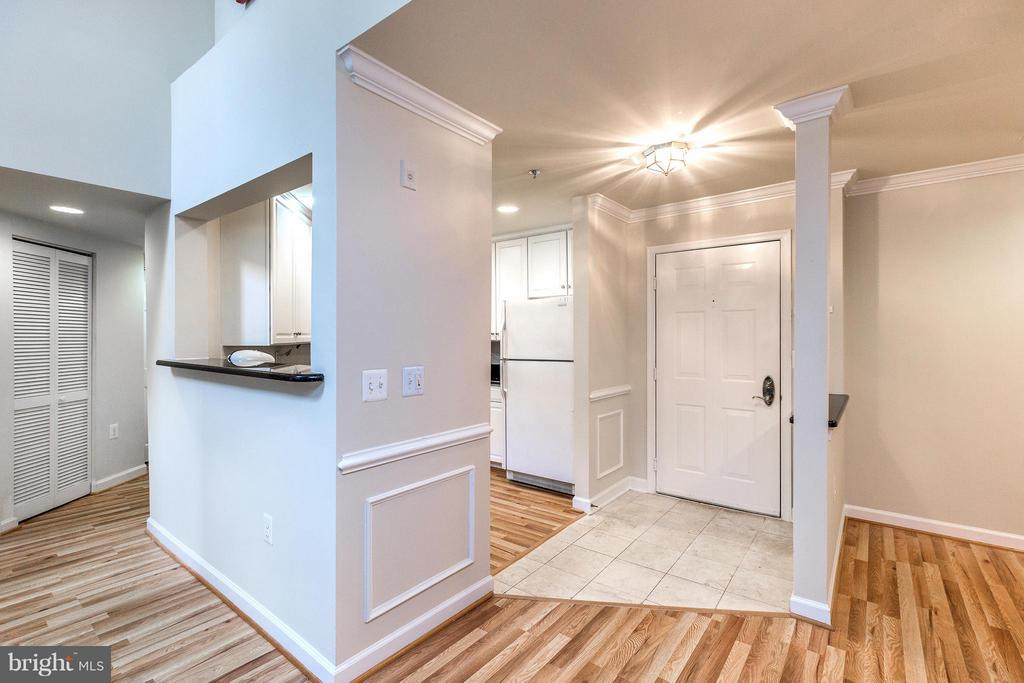 Foyer - 1320 WAYNE ST #408, ARLINGTON