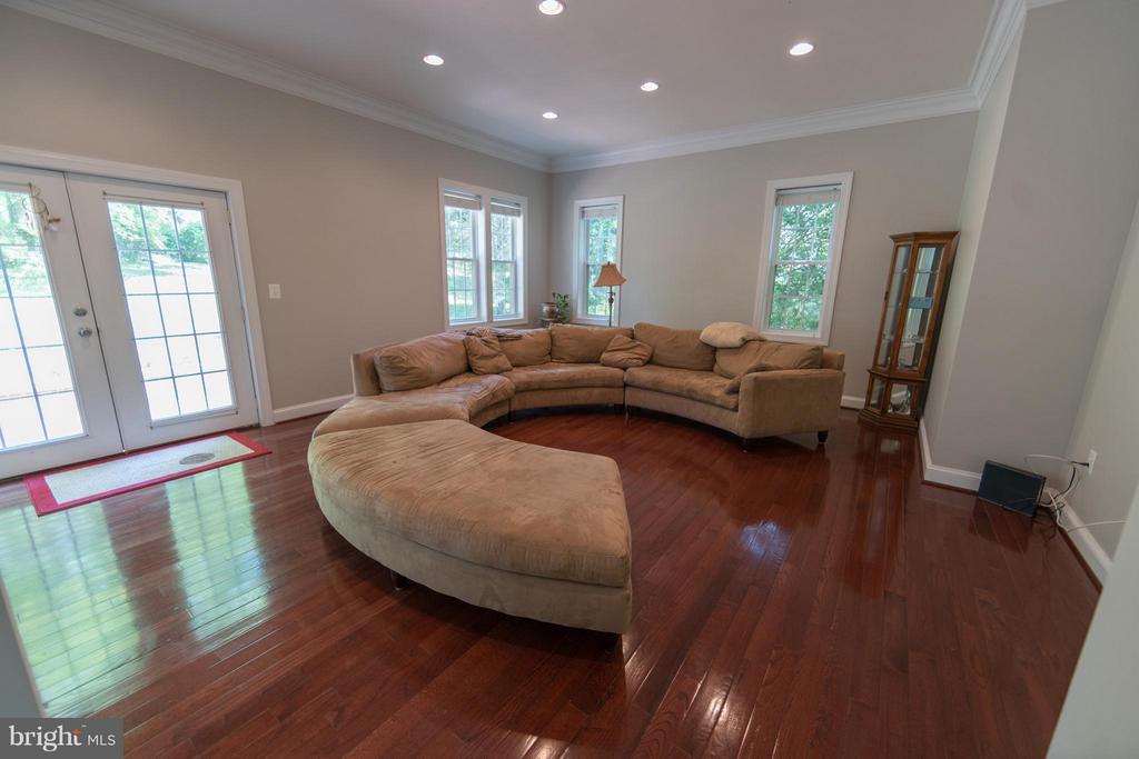 Living Room - 3806 MODE ST, FAIRFAX