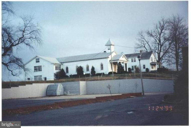 Additional photo for property listing at 2092 Jefferson Davis Hwy  Stafford, Virginia 22554 United States