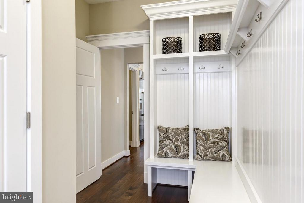 Mud Room - LOT 6 PHASE 2 TOUCHSTONE FARM LN, PURCELLVILLE
