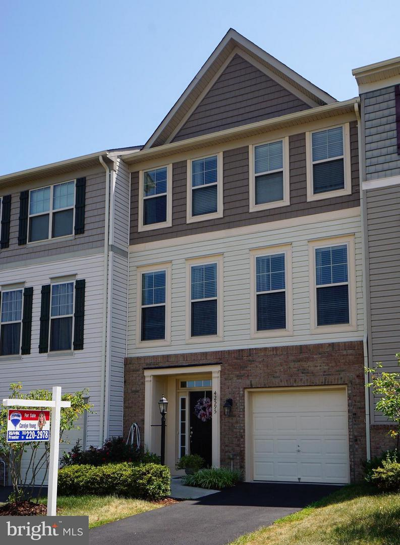 Single Family for Sale at 42595 Galbraith Sq Broadlands, Virginia 20148 United States