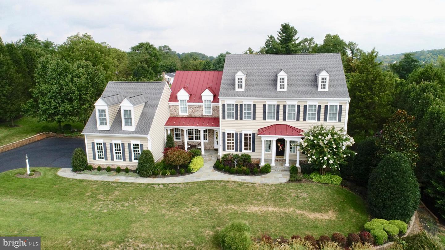 Single Family for Sale at 40054 Glenmore Ct Paeonian Springs, Virginia 20129 United States