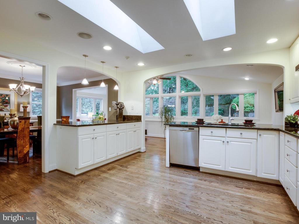 Open Kitchen - 3110 THOMAS ST N, ARLINGTON