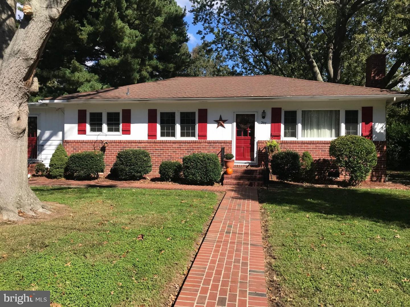 Single Family for Sale at 207 Sycamore Ave Easton, Maryland 21601 United States