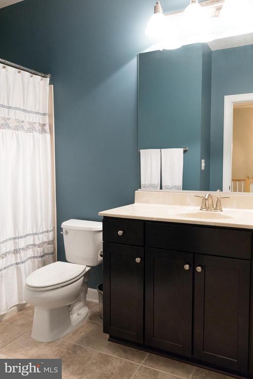 Bathroom #2 - 1717 TAYMOUNT TER NE, LEESBURG