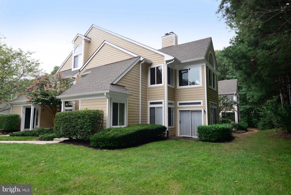 Charming Fairfax Condo backing to trees! - 12258 FORT BUFFALO CIR #508, FAIRFAX