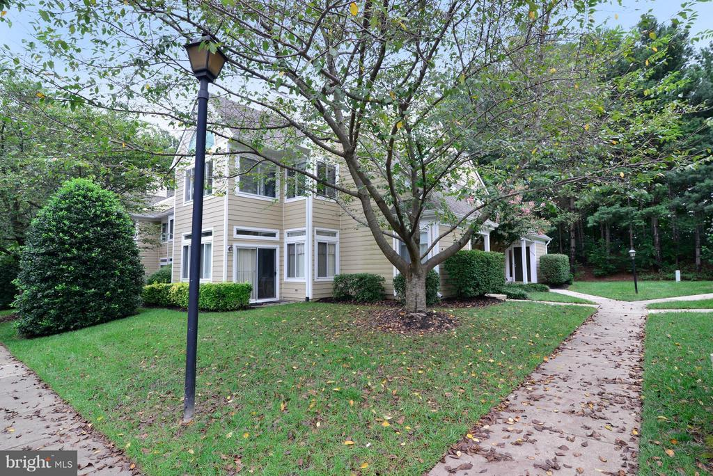 Beautiful walk up to the property! - 12258 FORT BUFFALO CIR #508, FAIRFAX