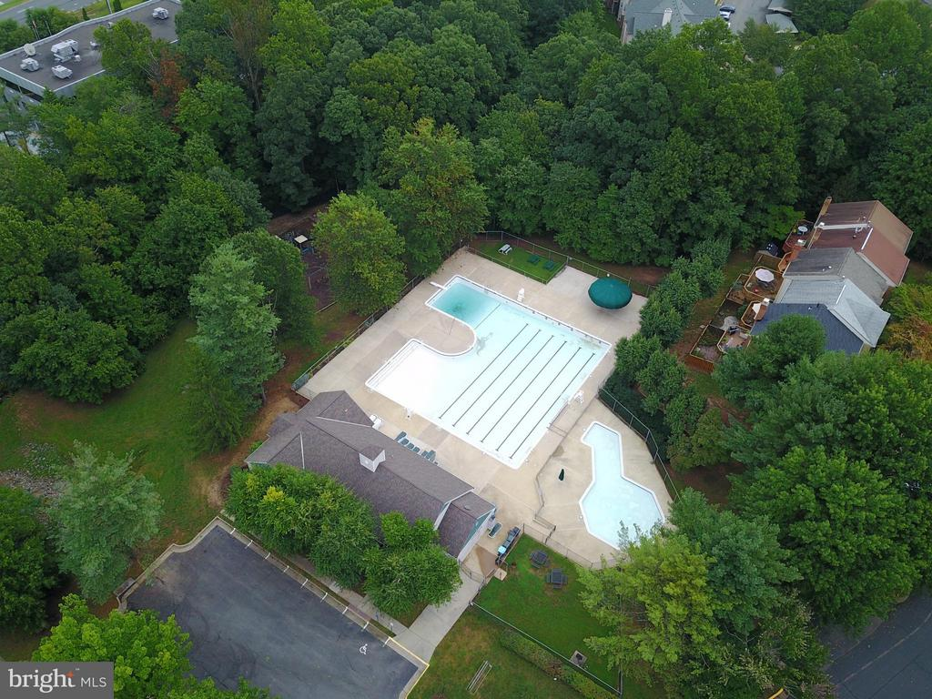 Outdoor Pool and clubhouse - 12258 FORT BUFFALO CIR #508, FAIRFAX