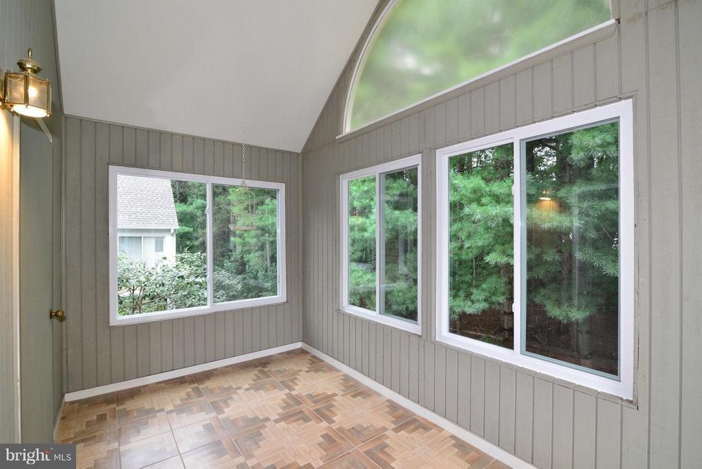 Sunroom/covered porch - adds 112 sqft of space! - 12258 FORT BUFFALO CIR #508, FAIRFAX