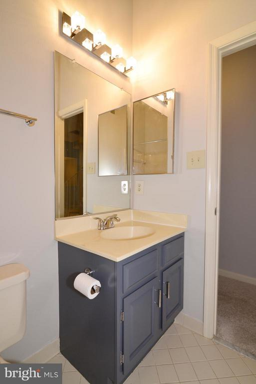 1st bathroom - 12258 FORT BUFFALO CIR #508, FAIRFAX
