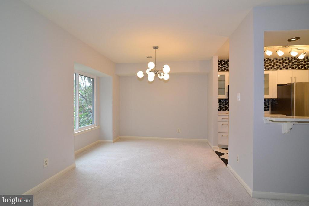 Open concept for dining/living area - 12258 FORT BUFFALO CIR #508, FAIRFAX