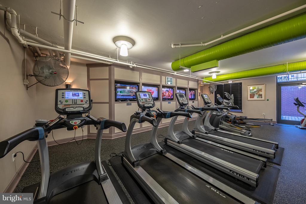 Gym - 1021 GARFIELD ST N #236, ARLINGTON