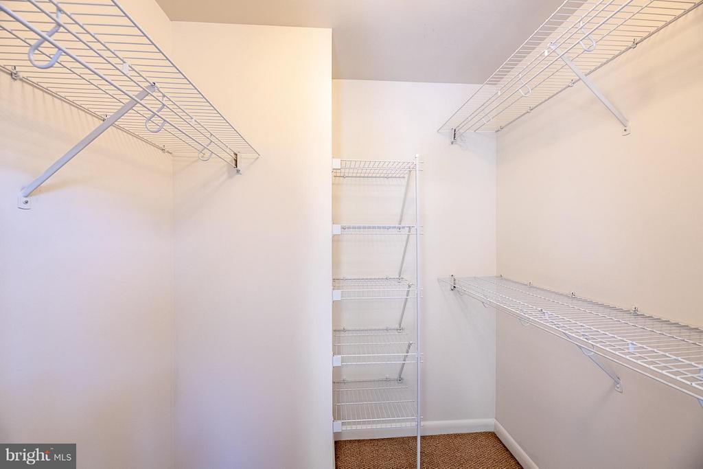 Spacious walk-in closet - 1021 GARFIELD ST N #236, ARLINGTON