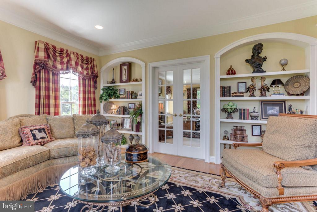Built-ins ~ French Doors to Family Room ~ Bright! - 35191 DORNOCH CT, ROUND HILL