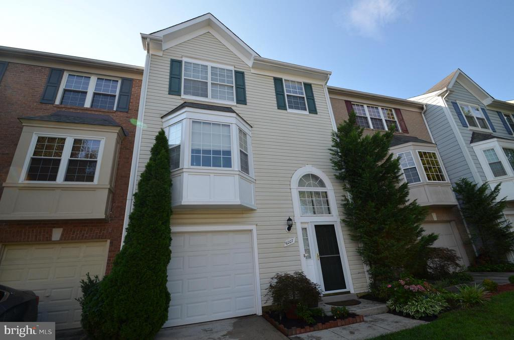 One of Kingstowne 3 Bedroom Homes for Sale at 6007  KEBLE DRIVE