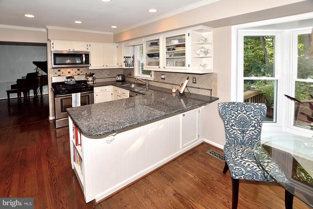 Granite Counters - 5803 STONE RIDGE DR, CENTREVILLE
