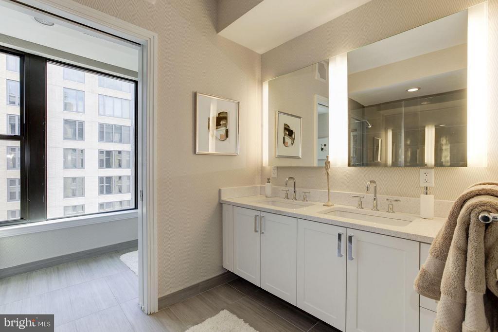 Master bathroom - 8302 WOODMONT AVE #801, BETHESDA