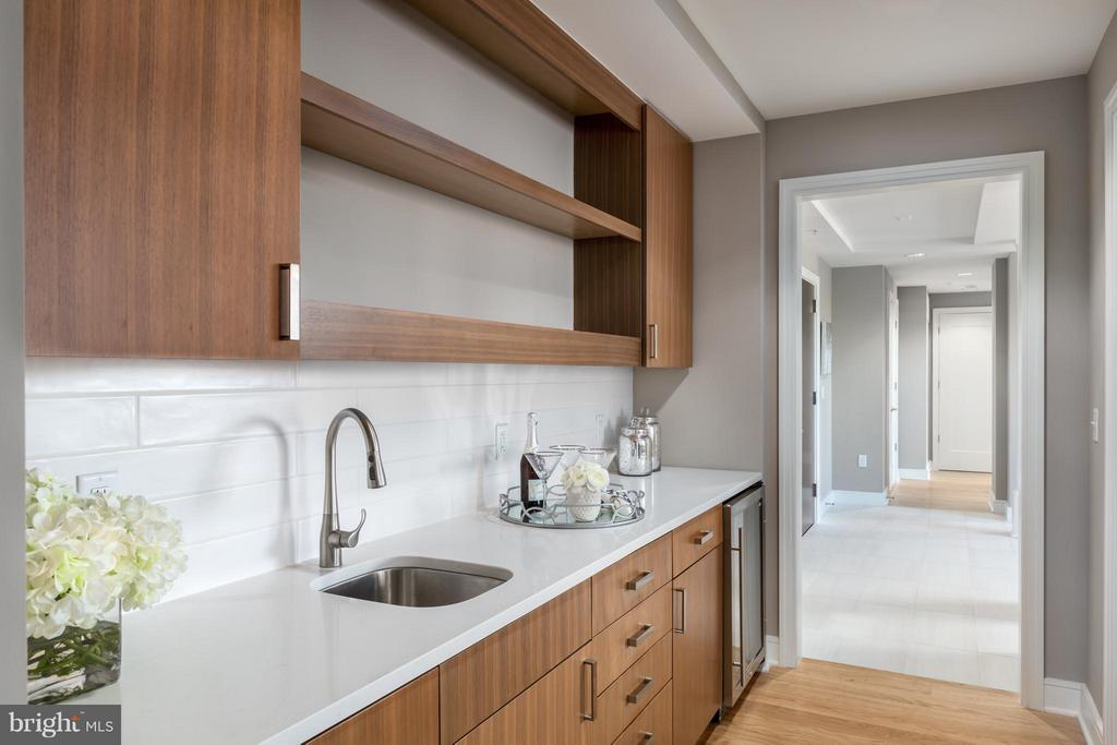 Interior (General) - 8302 WOODMONT AVE #700, BETHESDA