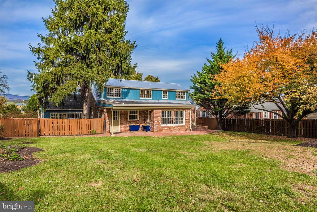 Backyard with mature trees. - 1722 SHOOKSTOWN RD, FREDERICK