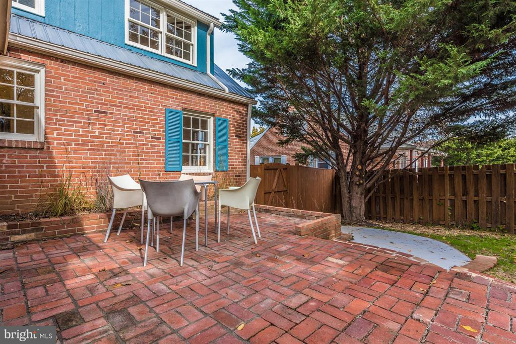 Backyard Patio - 1722 SHOOKSTOWN RD, FREDERICK