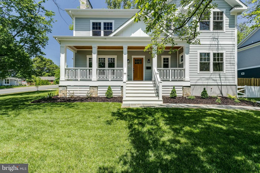 6524  32ND STREET, Falls Church, Virginia