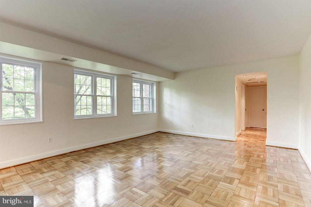 Living Room - 1336 ODE ST #7, ARLINGTON