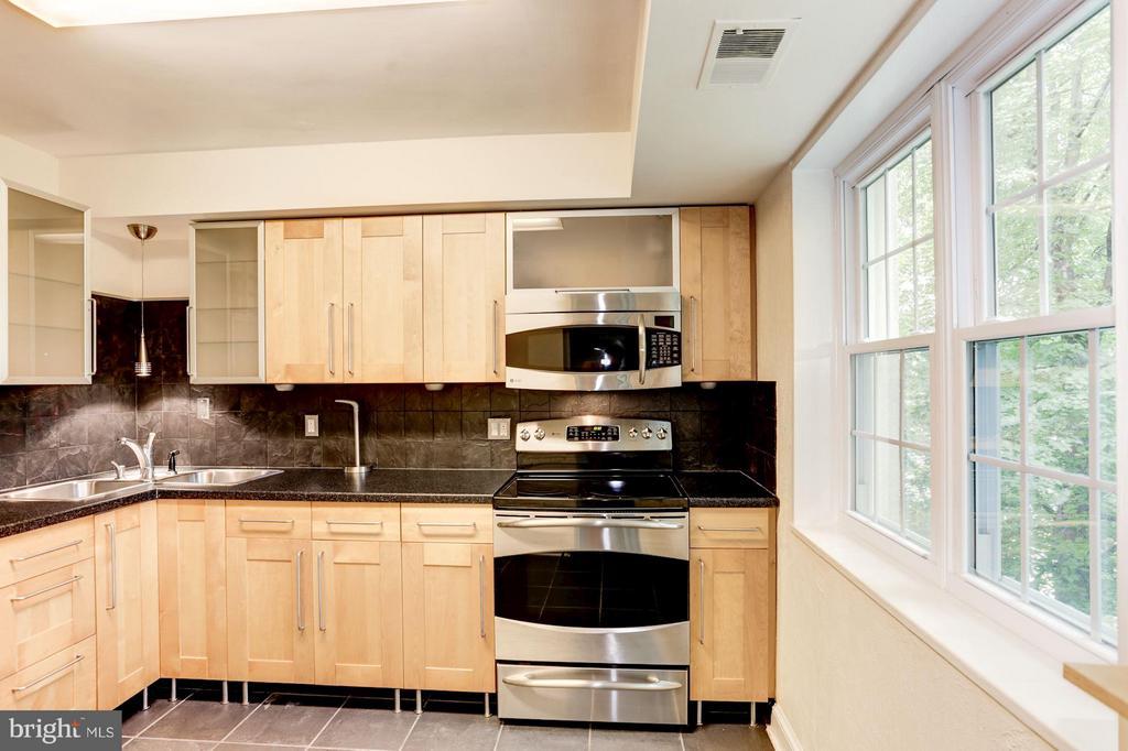 Kitchen - 1336 ODE ST #7, ARLINGTON