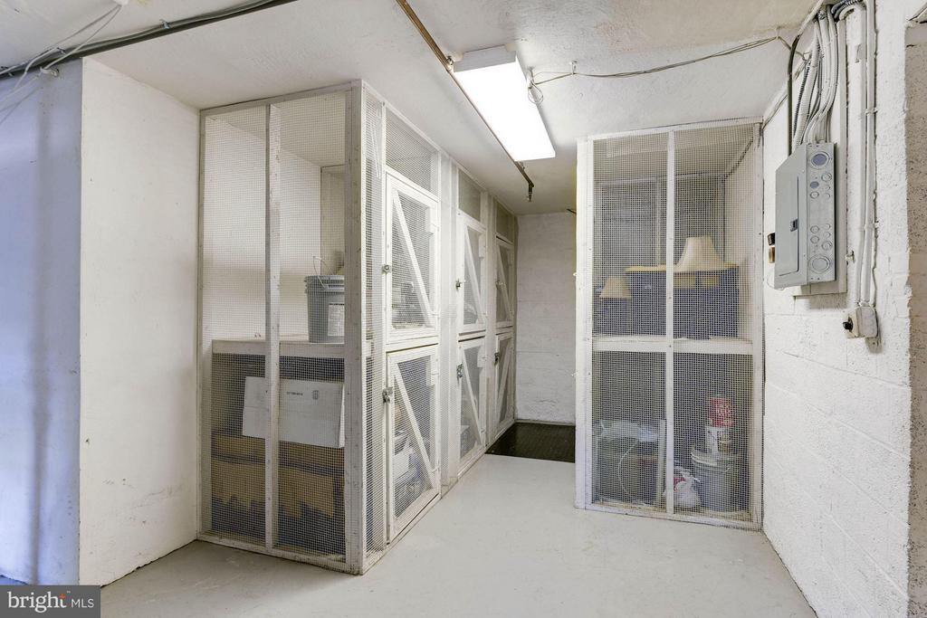 Storage Cube! - 1336 ODE ST #7, ARLINGTON
