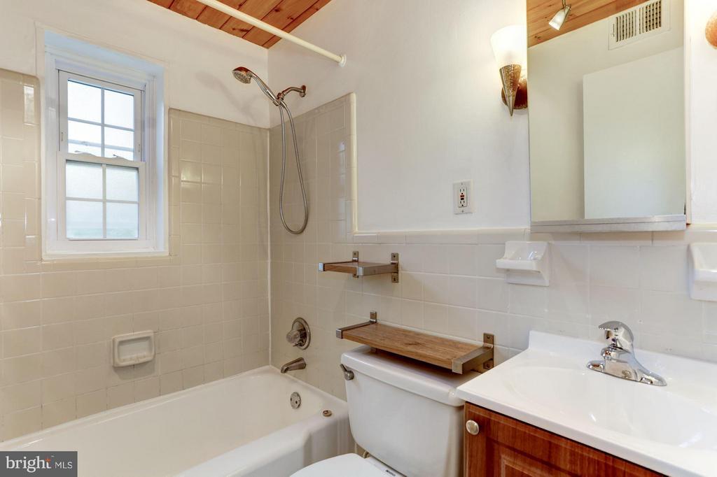 Bathroom - 1336 ODE ST #7, ARLINGTON
