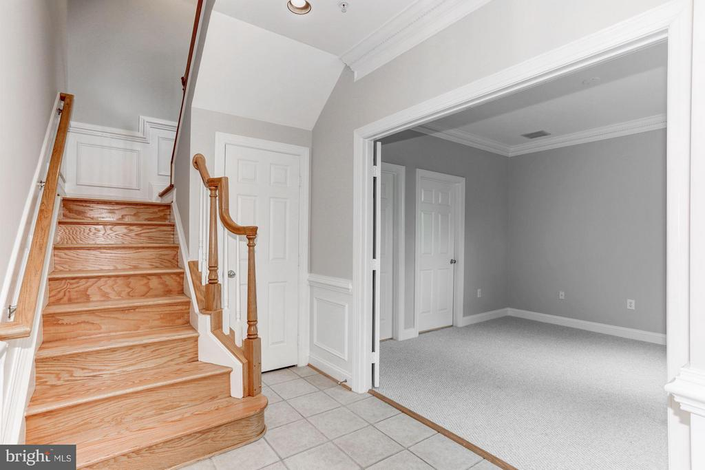 Foyer - 1123 KIRKWOOD RD, ARLINGTON