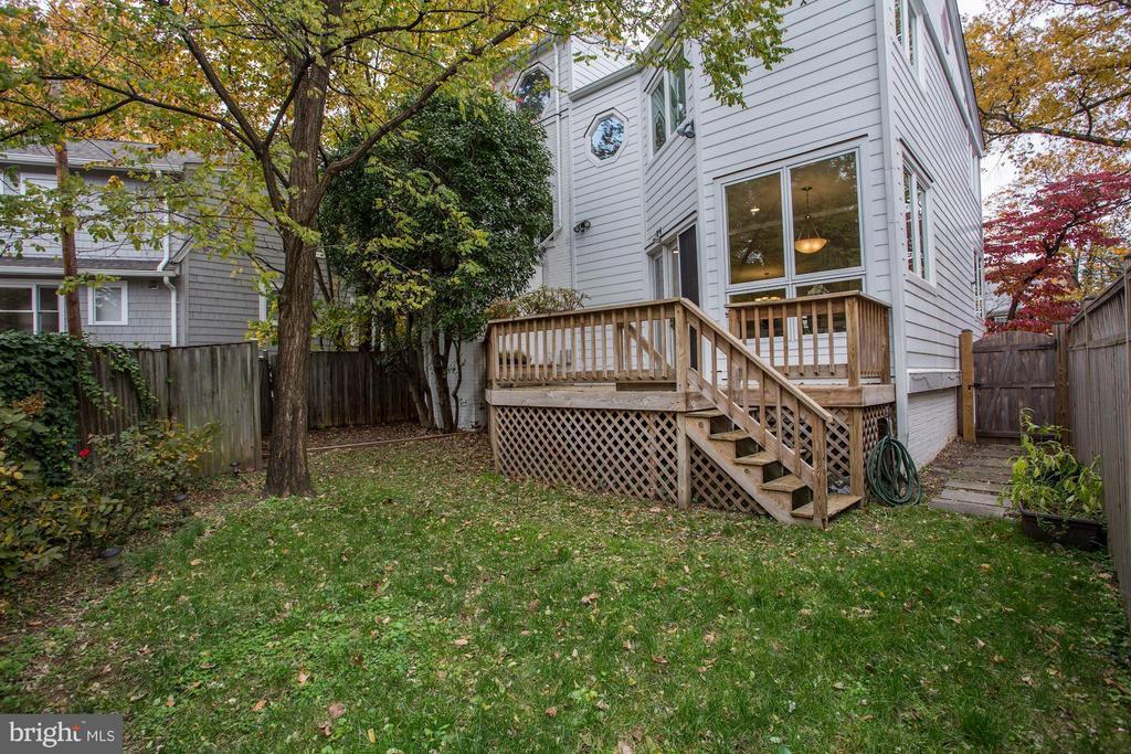 Fenced Rear Yard - 5464 31ST ST NW, WASHINGTON