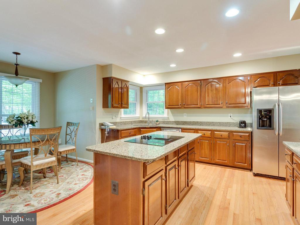 Kitchen - 10618 CANTERBERRY RD, FAIRFAX STATION
