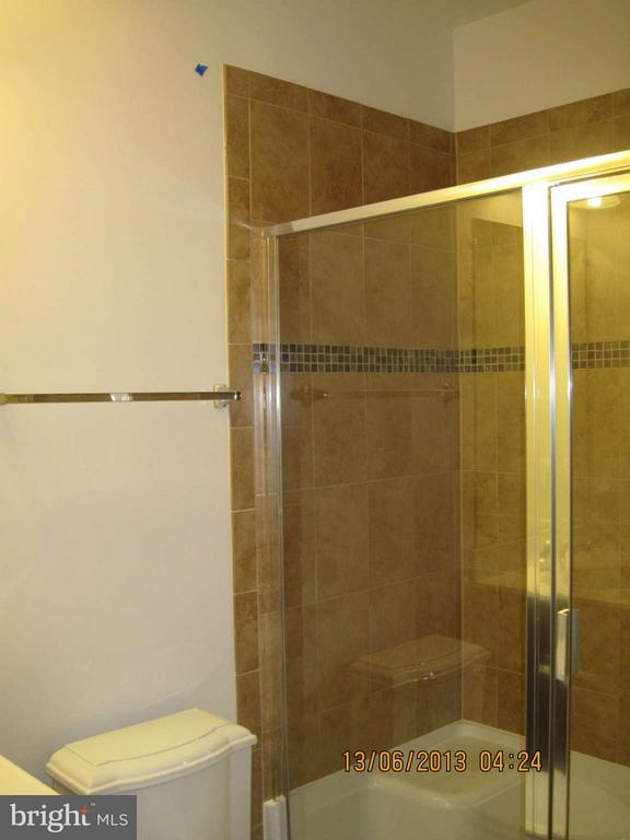 Lower Level Full Bath #4 - 7480 PRESERVE CREST WAY, MCLEAN