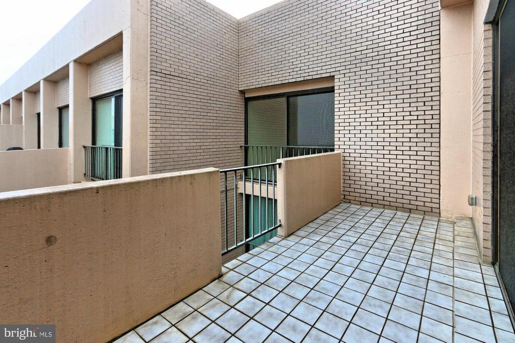 Balcony - 4141 HENDERSON RD #1226, ARLINGTON