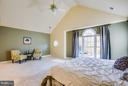 Spacious and light filled - 2550 HOLLY MANOR DR, FALLS CHURCH