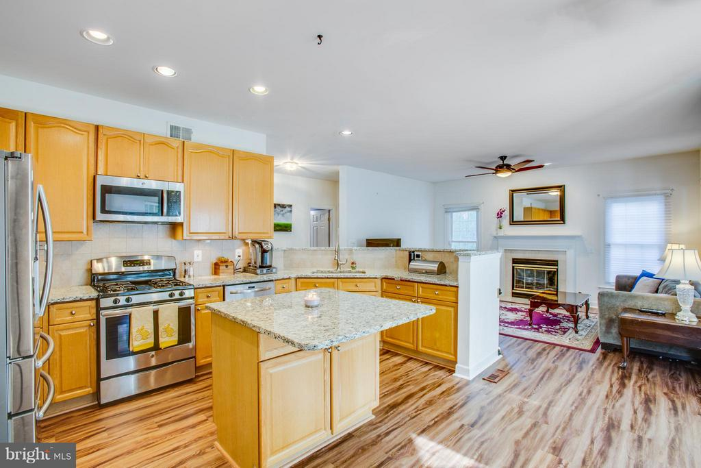Huge open and updated kitchen - 2550 HOLLY MANOR DR, FALLS CHURCH