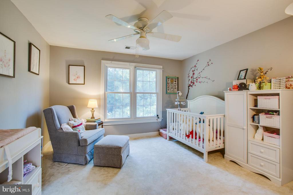 3rd Bedroom - 2550 HOLLY MANOR DR, FALLS CHURCH