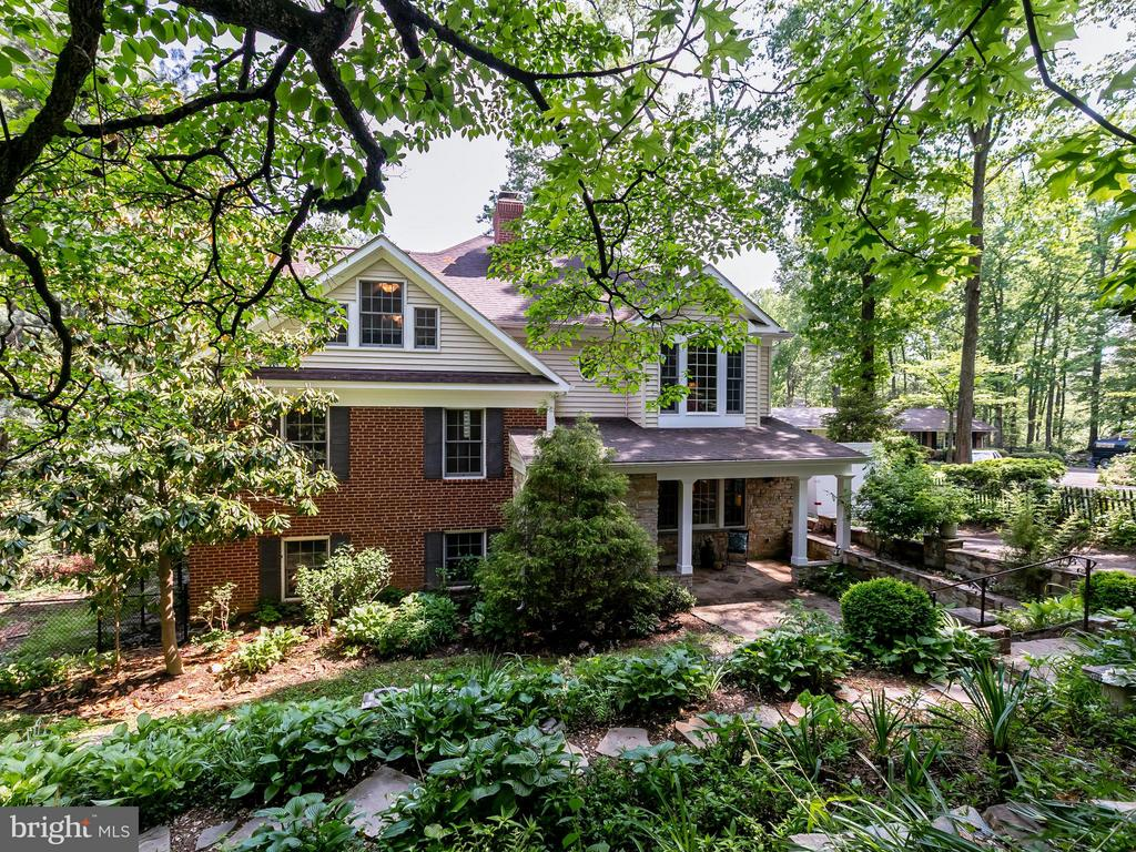 6612  RIDGEWAY DRIVE, one of homes for sale in Springfield