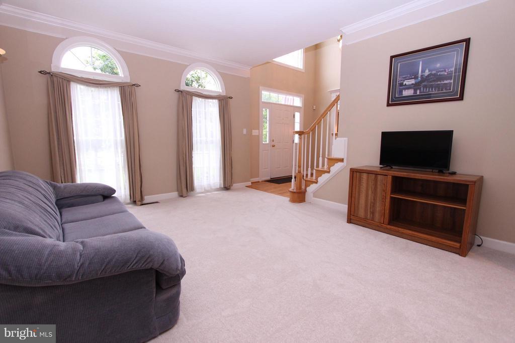 Living Room - 43499 CROSS BREEZE PL, ASHBURN