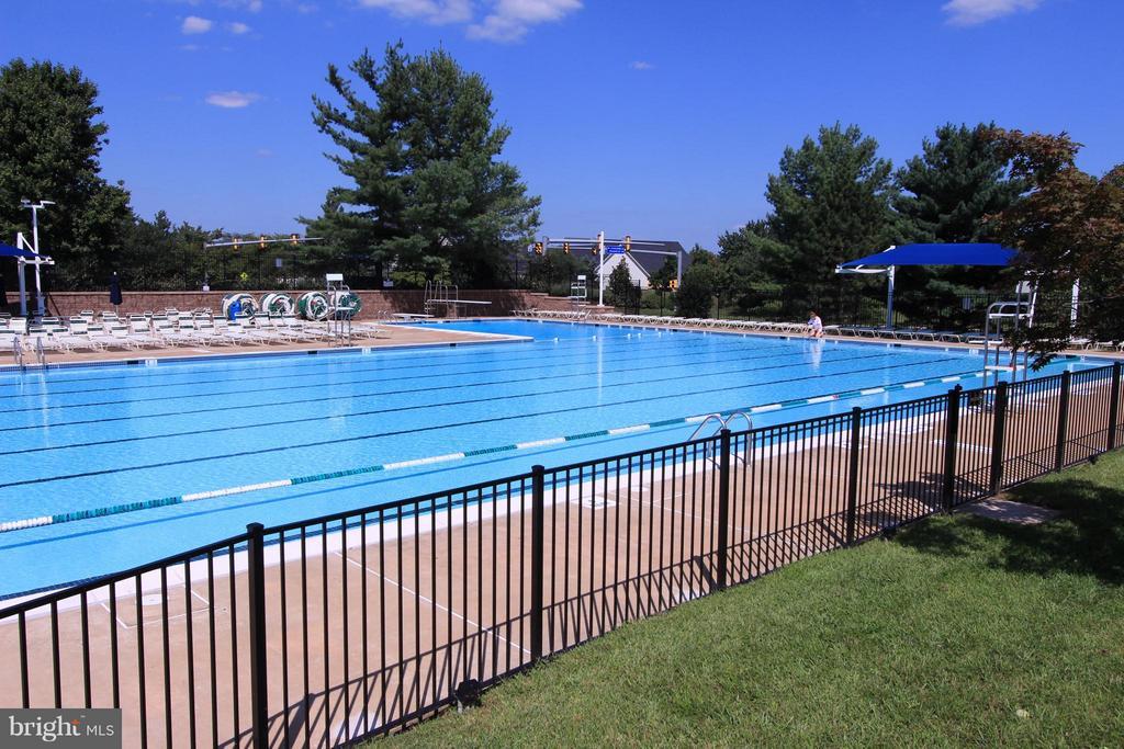 One of Many Community Pools - 43499 CROSS BREEZE PL, ASHBURN
