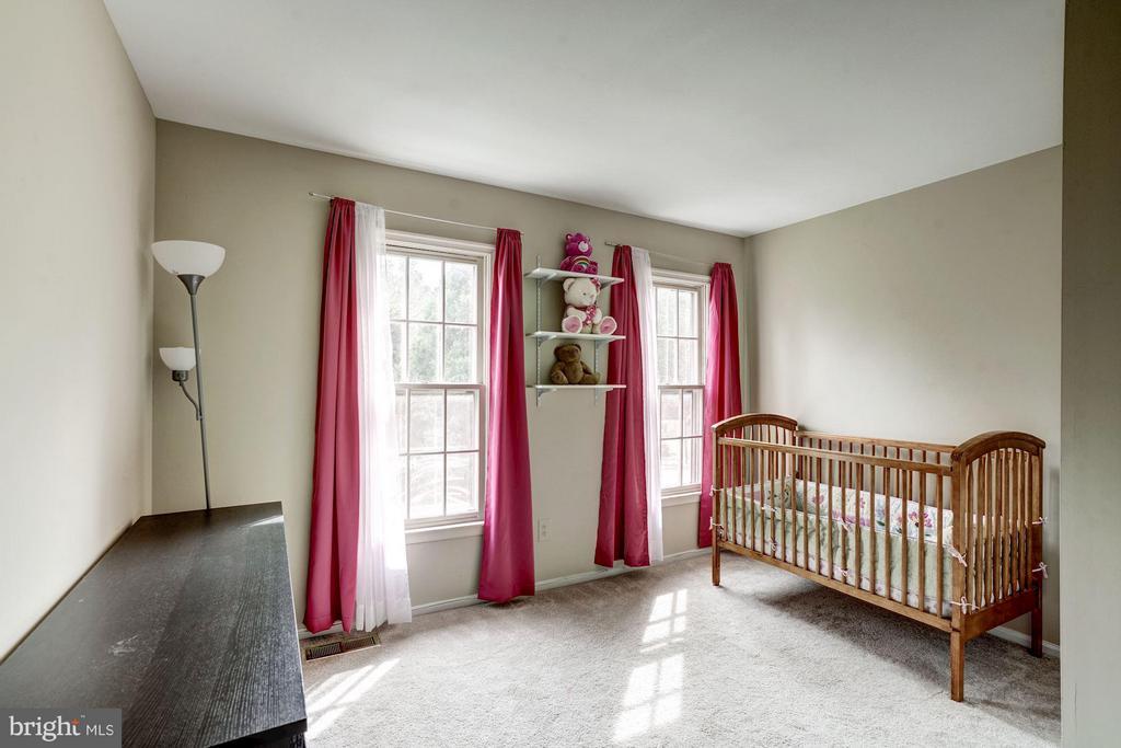 Bedroom 3 (Upper Level) - 4422 TULIP TREE CT, CHANTILLY