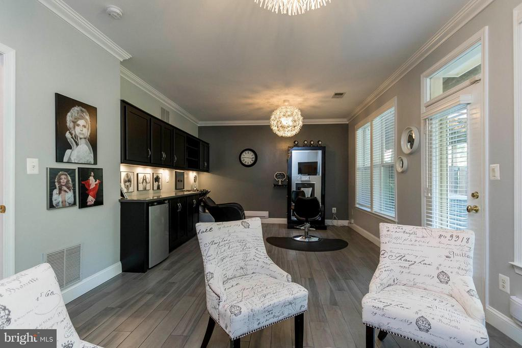 Ideal for home office, rec room, playroom! - 21043 ROAMING SHORES TER, ASHBURN