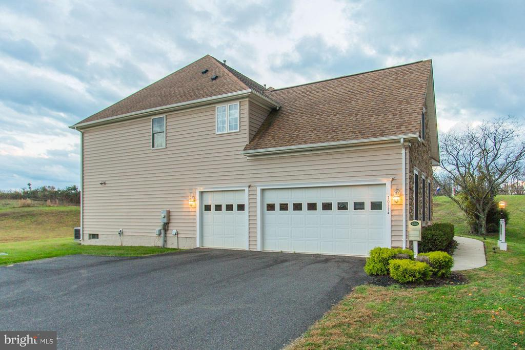 Optional 3-Car Garage - QUARTZ - LOT 6 AVE, CULPEPER