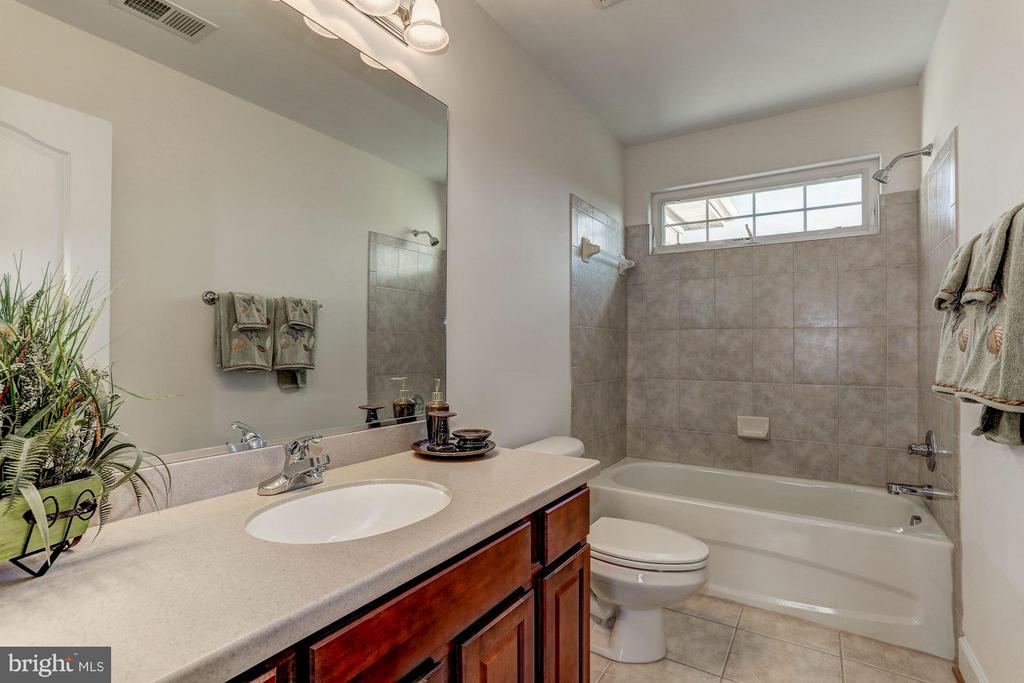 Full Bath - QUARTZ - LOT 6 AVE, CULPEPER