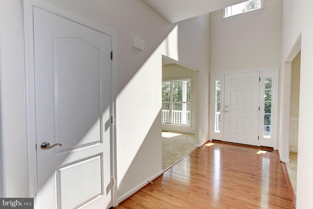 Foyer - QUARTZ - LOT 13 AVE, CULPEPER